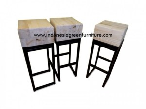 Scania Bar Stool Reclaimed Pine