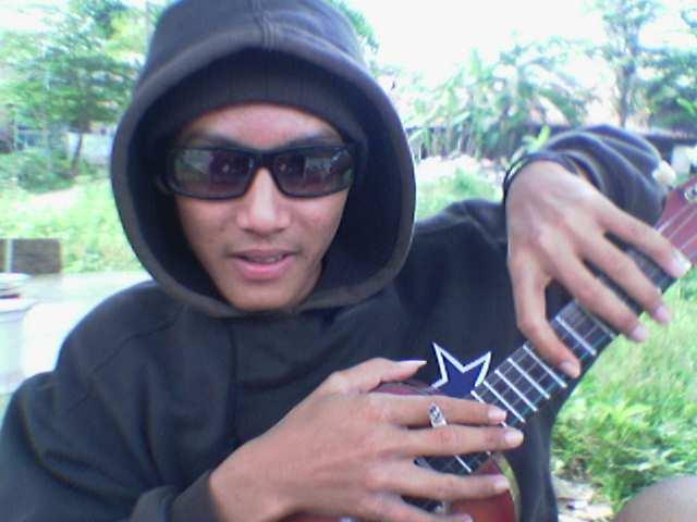 https://i1.wp.com/www.indonesiaindonesia.com/imagehosting/images/39860/1_Anak_gaul.jpg