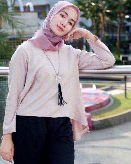 inspirasi fashion hijab traveller - indonesiatraveller.id indonesia traveller guide