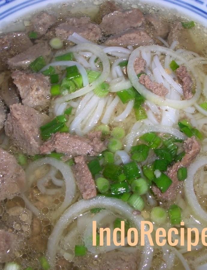 Vietnamese Pho Bo Vien (Beef Balls Soup)