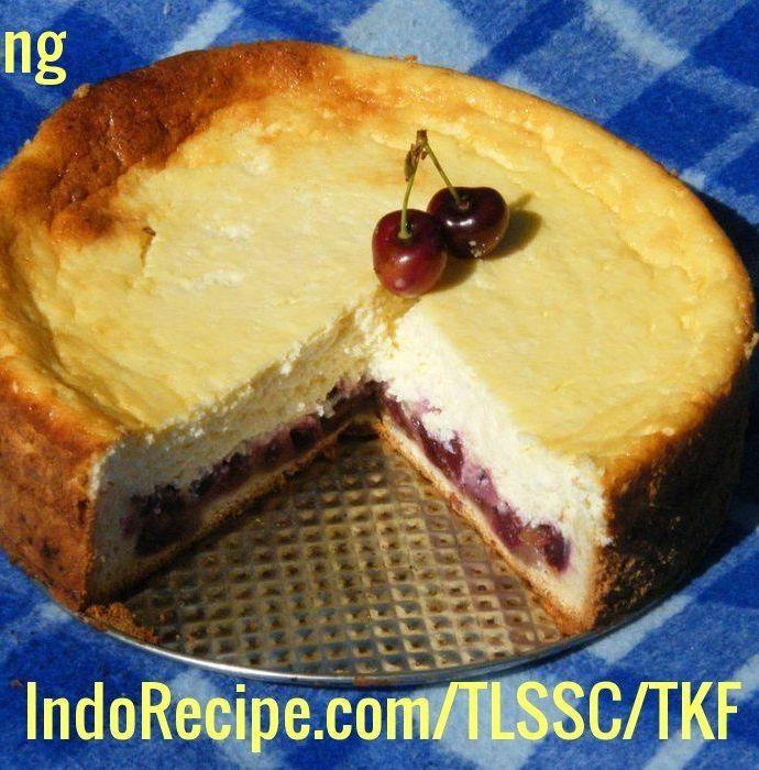 Hungarian Style Sour Cherry Cheesecake (Meggyes Turotorta)