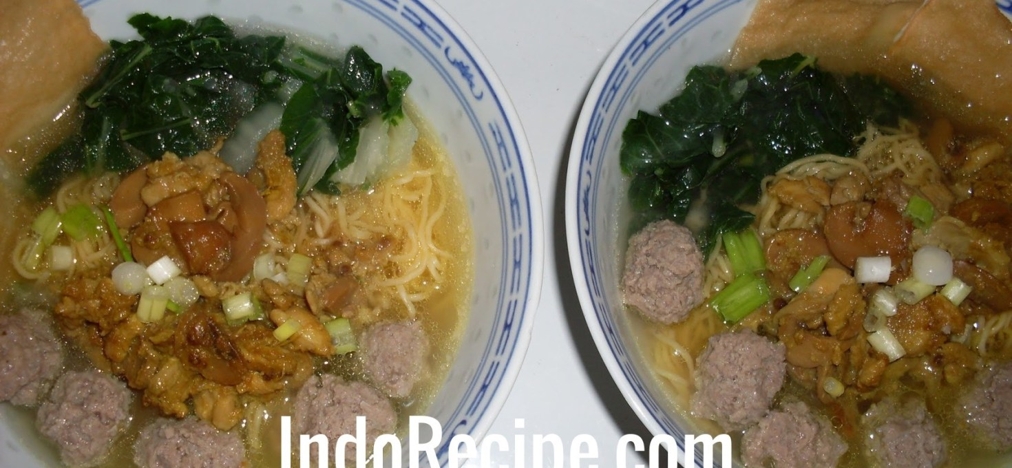 Chicken Noodle Soup With Beef Balls (Mie Ayam Bakso)