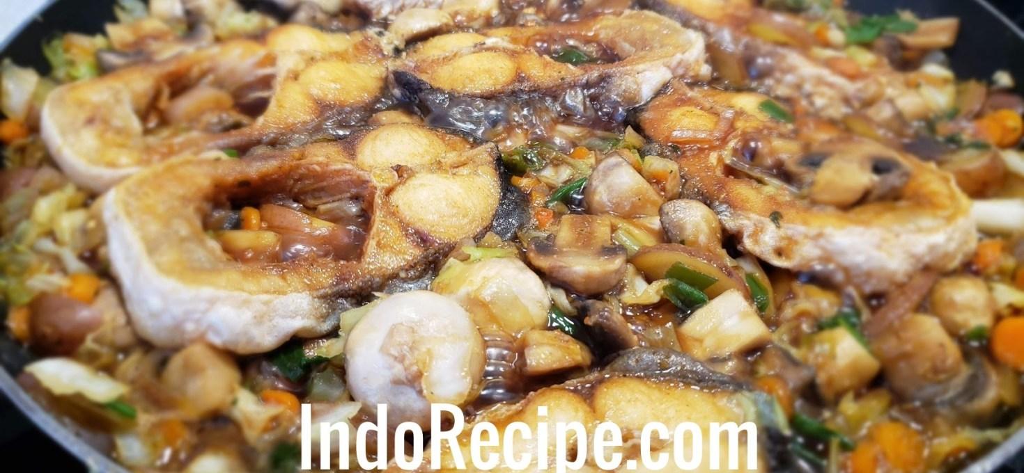Fish with Stir Fry Veggies (Semur Ikan)