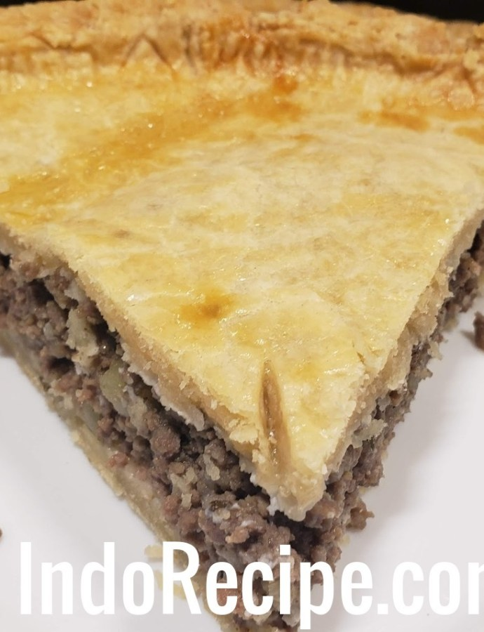 Canadian Cuisine: Tourtiere (Meat Pie)