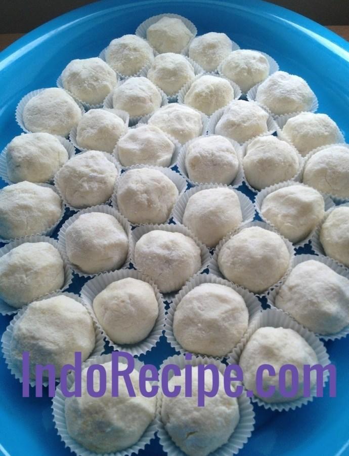 Soft Coconut Balls