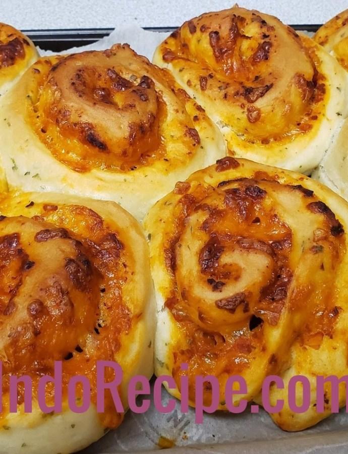 Easy Baking: Pizza Rolls