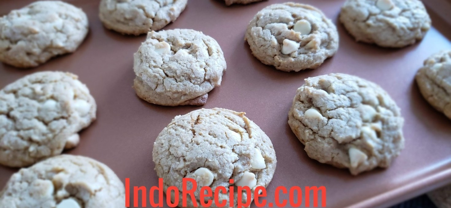 Easy Baking: White Chocolate Chips and Coffee Cookies