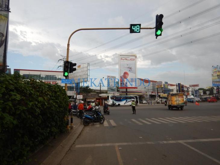 Traffic Light - Mekatrindo - www.indotraffic.net