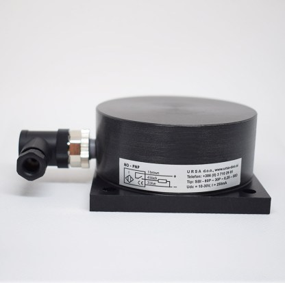 Induktivni senzor fi 80 Plastično ohišje 4