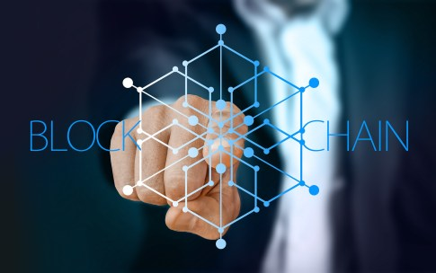"""Immer mehrFintechs, die sich mit der Blockchain-Technologie beschäftigen, geraten verstärkt in den Fokus der Investoren, das zeigtdie aktuelle KPMG-Analyse """"Pulse of Fintech""""."""