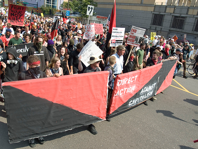 The IWW anti-capitalist bloc (before breaking away from the main march)- these folks engaged in HEAVY street combat all afternoon