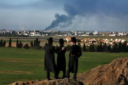 israelis watch gaza war