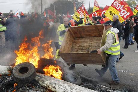 Baricades set up around country