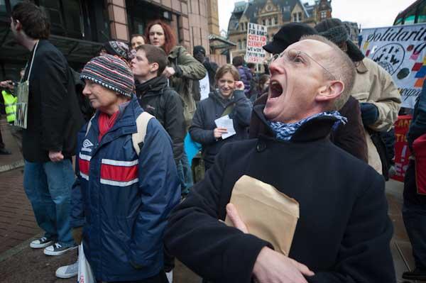 A noisy demonstration