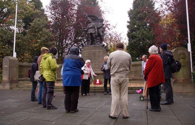 Circle at war memorial