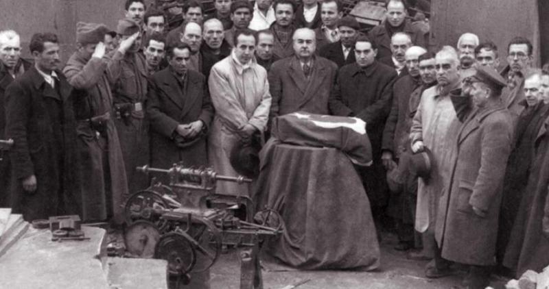 Nuri Killigil'in Cenaze Töreni.jpg