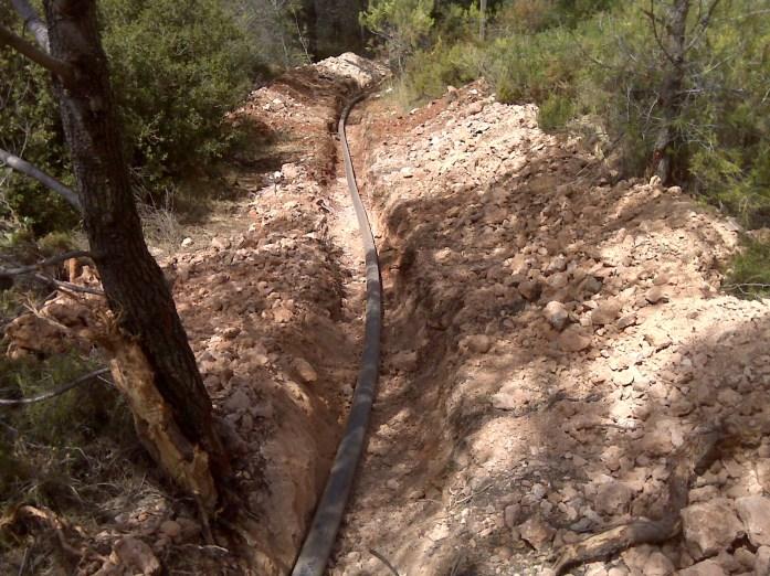Construcción de canalización para red de agua de riego