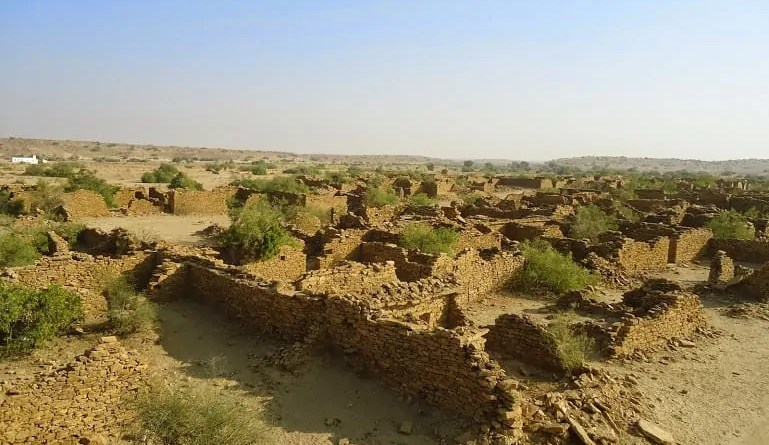 Kuldhara : My journey to the cursed and haunted village of Jaisalmer.