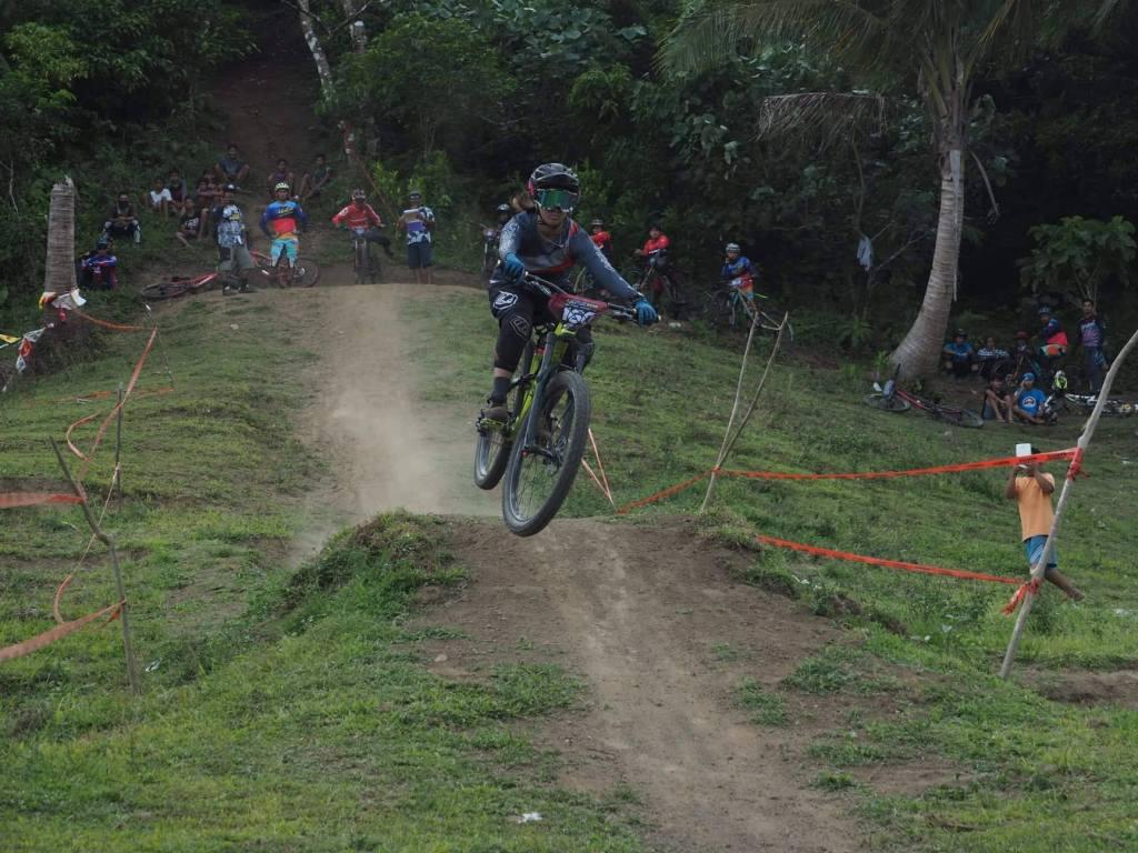 Ligao Downhill2