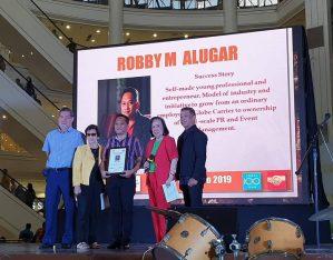 The Talento Cebuano 2019 award for Robby Alugar