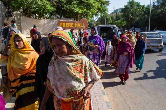 Pakistan violenza su bambina