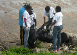Some of the volunteers during the clean up exercise.