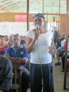 The female resident makes her point during the meeting. [iNews' Photo]