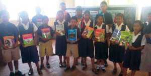 The students of the Hobodeia Primary School.
