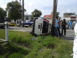 The bus at the scene of the accident. [iNews Citizen Reporter's Photo]