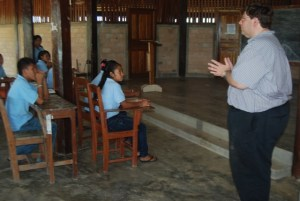 U.S. Embassy Deputy Chief of Mission (DCM) Bryan Hunt interacts with students.