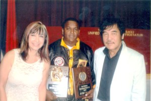 Quacuy Baveghems (middle) poses with two well renowned martial artists.