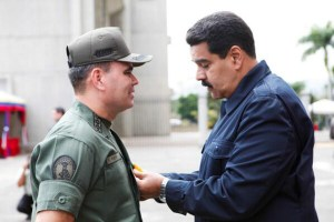 Defense Minister Vladimir Padrino Lopez and President Nicolas Maduro
