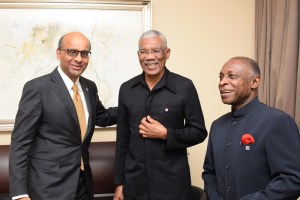 President David Granger sharing a light moment with the Deputy Prime Minister and Coordinating Minister for Economic and Social Policies of Singapore, Tharman Shanmugaratnam and Guyana's Foreign Minister, Carl Greenidge