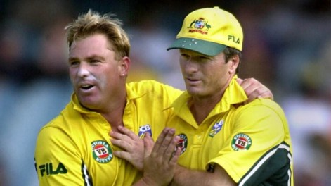 Shane Warne and Steve Waugh in 2002. (Reuters photo)