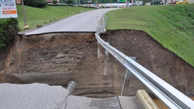 Damage to roads stranded hundreds (Photo:West Virginia Department of Transportation/Reuters)