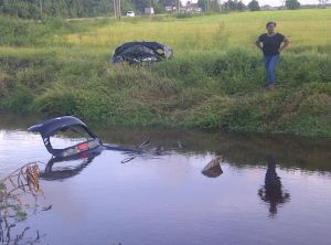 The car submerged in a trench at La Union