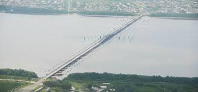 demeara-harbour-bridge-big