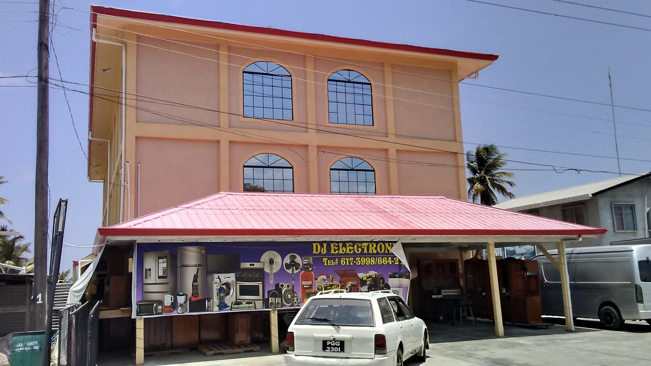 Bandits hit electronic store on the Essequibo Coast | INews