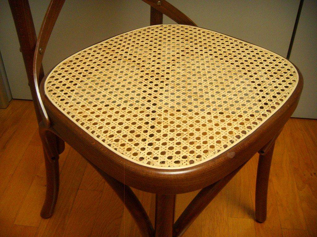 Vintage Chair In Wood And Viennese Straw Ciao W