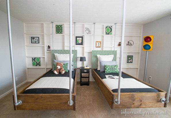 hanging-beds-in-boys-room