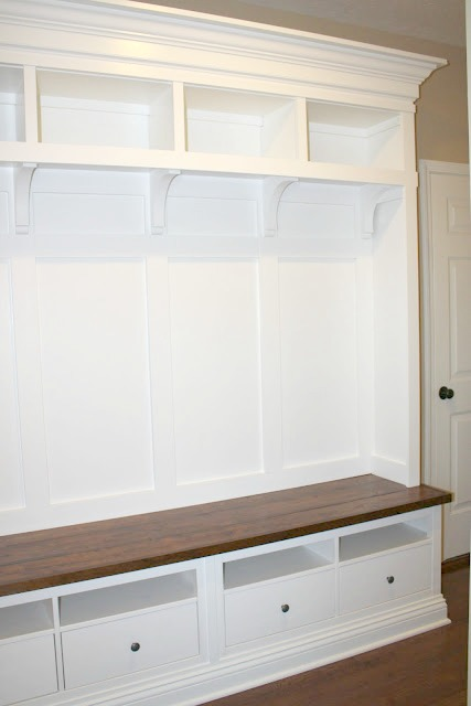 The Charming Nest mudroom bench