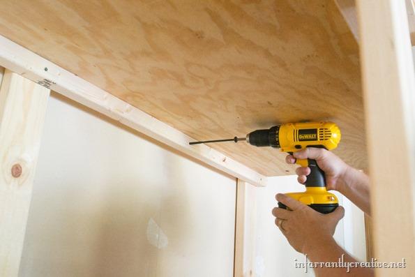 DIY-garage-shelf-organization