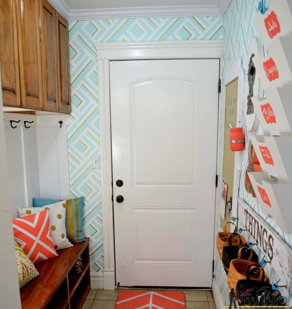Geometric-wall-Mudroom-Overall