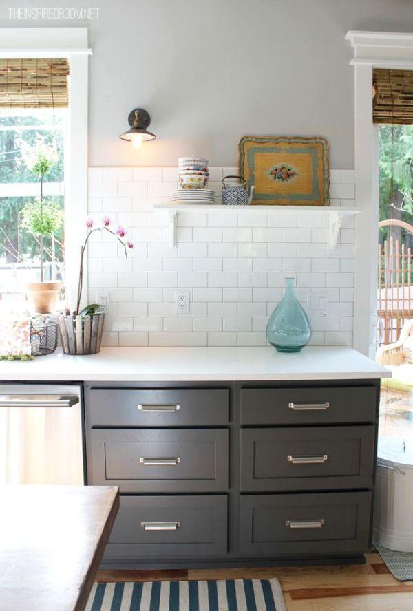 dark-lower-cabinets-Benjamin-Moore-gray