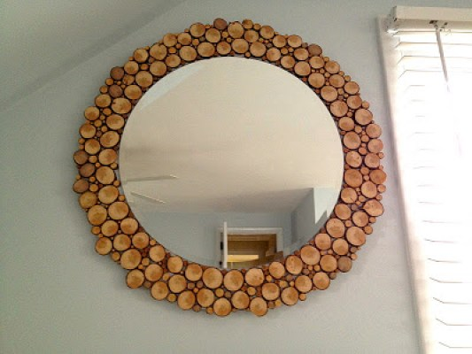 diy-wood-slice-mirror-frame
