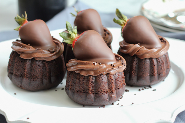 triple-chocolate-mini-bundt-cakes