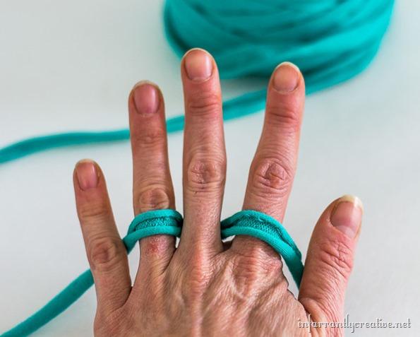 finger knit tutorial