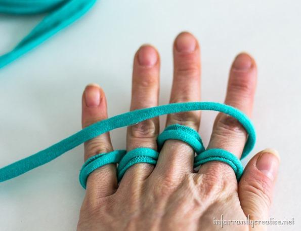 necklace finger knit