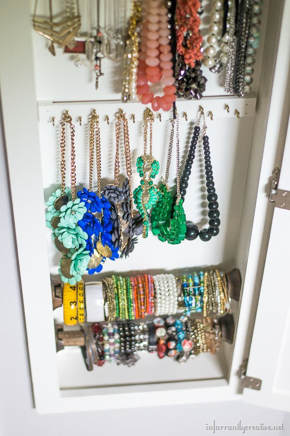 how-to-organize-your-necklaces
