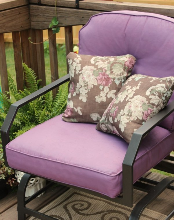 Outdoor-Cushions-Painted